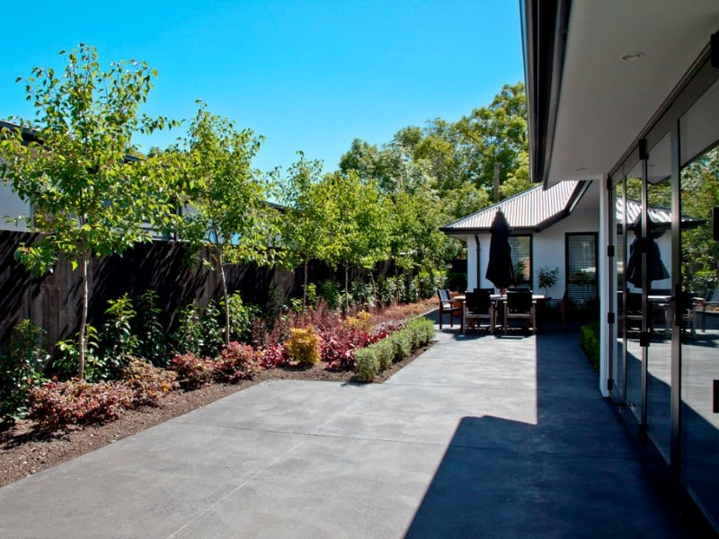 3 Great Ways to Improve Indoor Outdoor Flow in Your Landscape Design